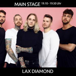 Lax Diamond zum Auftakt des Abendprogramms mit atmosphärisch-treibendem, melancholischem Indie-Pop-Rap aus Hamburg/Berlin!